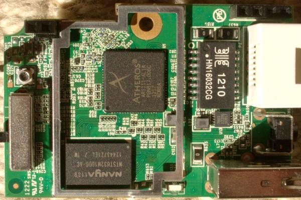 http://foto.a20.net/openwrt/600/20120916-D-Link-D-505-vA1E-PN-EIR505EEU-front-better-labels.jpg